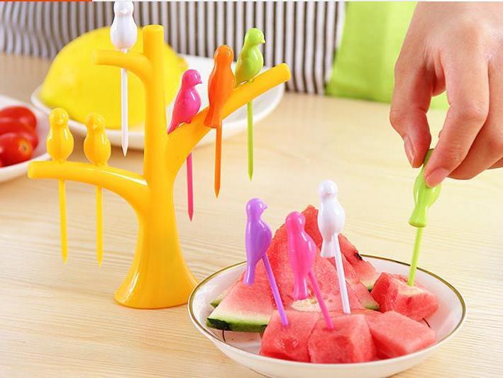 1SET Creative Tree+Birds Design Plastic Fruit 1 Forks Hot Vegetable Fork KX